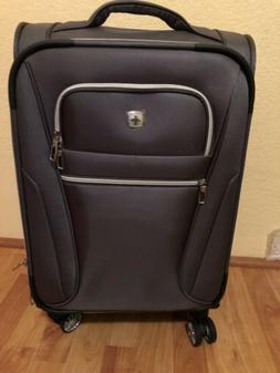 "SwissGear Travel Gear 20"" Carryon Spinner Overhead Luggage"