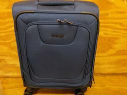 AmazonBasics Premium Expandable Softside Spinner Luggage wit